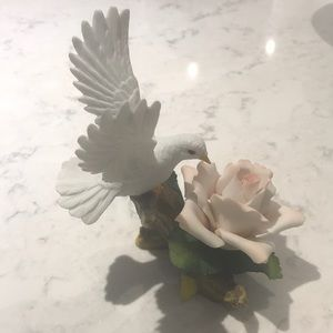 Other - White bird with a pink rose porcelain figure